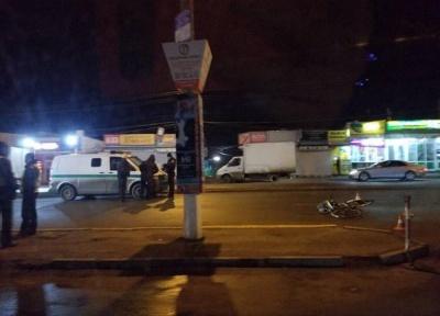 У Чернівцях поліція встановлює обставини ДТП з наїздом автомобіля на велосипедиста (ФОТО)