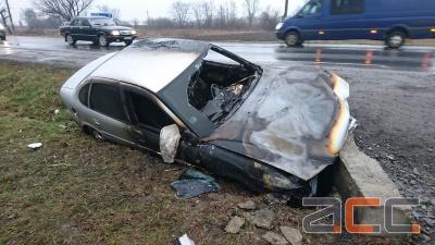 У Чернівецькій області легковик злетів з траси у кювет і загорівся: водій був п'яний