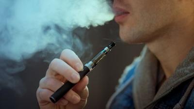 Експерти назвали нову небезпеку від електронних сигарет