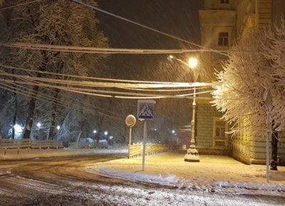Снігова негода: мер Чернівців повідомив, як уночі працювали аварійні служби міста