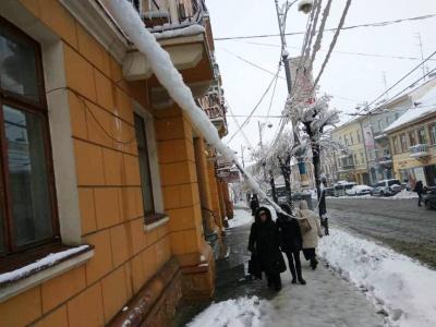 Буковина найбільше постраждала від снігопаду – 89 сіл без світла