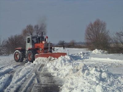 На Буковині для розчистки сільських доріг бракує техніки