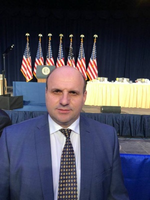 Голова Чернівецької обласної ради та двоє обласних депутатів поїхали на молитовний сніданок в США