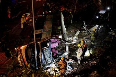 У Гонконзі розбився двоповерховий автобус