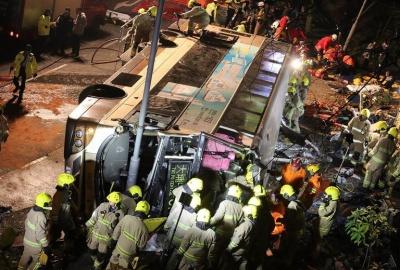 У Гонконзі пасажирський автобус потрапив у жахливу аварію: щонайменше 19 людей загинуло (ФОТО)