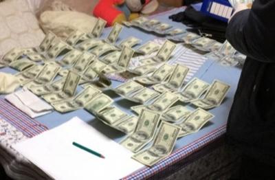 Адвоката, якого у Чернівцях затримали на хабарі, взято під варту з можливістю внесення застави 200 тис грн