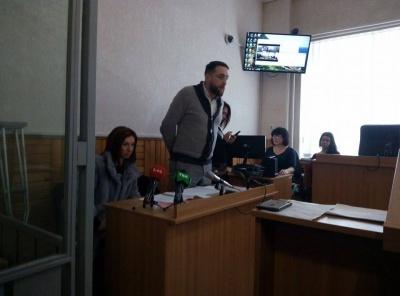 На Буковині суд обирає запобіжний захід «кіборгу», якого звинувачують у незаконному поводженні зі зброєю