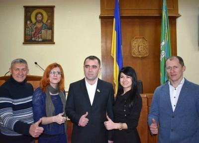 У Чернівецькій обласній раді склав присягу новий депутат