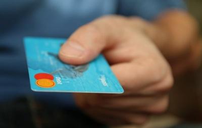 В Україні більше магазинів стали приймати картки до оплати