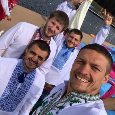 Буковинець готує до боїв відомого боксера Олександра Усика