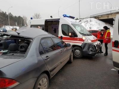 Під Києвом перекинувся мікроавтобус з прикордонниками з Буковини: постраждали 5 осіб