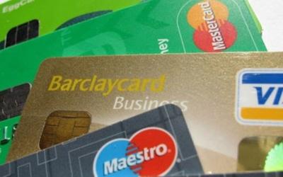 Бюджетникам дозволять отримувати зарплати у приватних банках