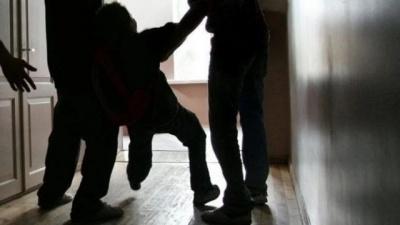 Катували і знімали на мобілку: у Чернівцях засуджено двох нелюдів за знущання над хлопцем