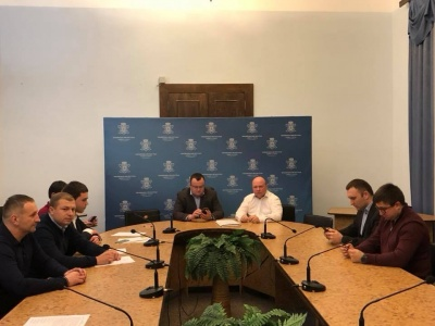 Керівники усіх фракцій міськради домовились спрямувати на ремонт доріг Чернівців 100 млн грн