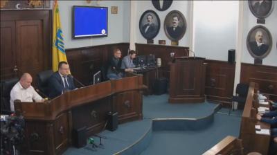 Чернівецька міськрада після 7 годин дискусій оголосила перерву в роботі сесії до суботи