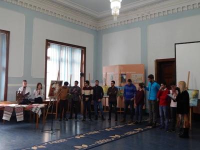 У Чернівцях студенти з Єгипту і Пакистану співали «Червону руту»
