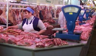 На ринках Чернівців розповіли, як проводиться перевірка м'яса