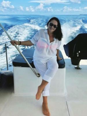 Російський співак стверджує, нібито Софія Ротару таємно зіграла весілля