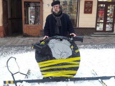 У Чернівцях художник Федірко закликав долучитись до збору коштів на реставрацію «Пам'ятника невідомому корупціонеру»