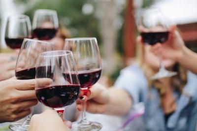 Вчені прогнозують непереносимість алкоголю у людей майбутнього