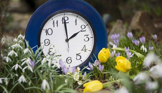 Незабудьте перевести годинники: 25 березня Україна вчергове перейде на літній час