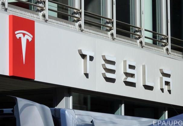 Tesla відкликає 123 тисячі автомобілів через загрозу корозії