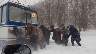 Україну засипає снігом, а на Буковині – без істотних опадів