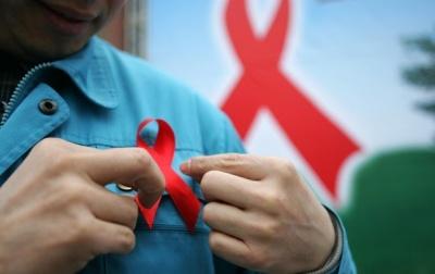 Курс – 82 тисячі євро: у Чернівцях ВІЛ-інфікованих безкоштовно лікуватимуть від гепатиту