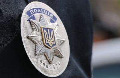 На Буковині поліція затримала зловмисника, який вимагав у бізнесмена 100 тис грн