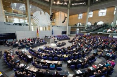 """У Німеччині соціал-демократи погодилися на """"велику коаліцію"""" з Меркель"""