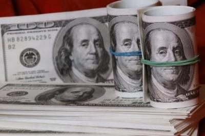 Експерти розповіли, скільки коштуватиме долар у березні