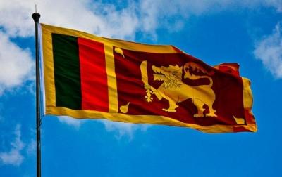 У Шрі-Ланці, через сутички між буддистами та мусульманами, ввели надзвичайний стан