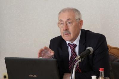 Голова Чернівецької ОДА підтвердив проведення обшуків у своєї доньки та сватів