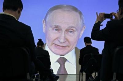Путін розповідає, що Росію змусили анексувати Крим