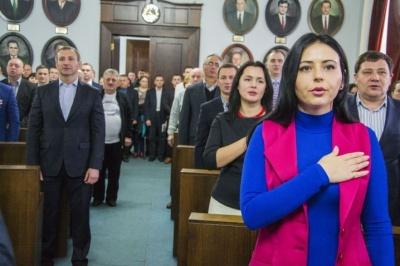 В Черновцах за «политическим рулем» мужское большинство: почему это не демократично?