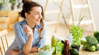 Топ-5 продуктів, які допоможуть жінкам зберегти красу