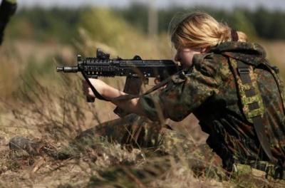У зоні АТО воювало понад шість тисяч жінок