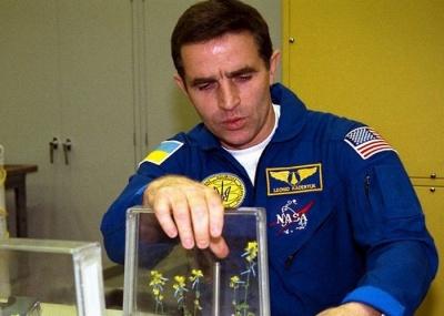 На Буковині в рідному селі Каденюка збирають гроші на пам'ятник космонавту