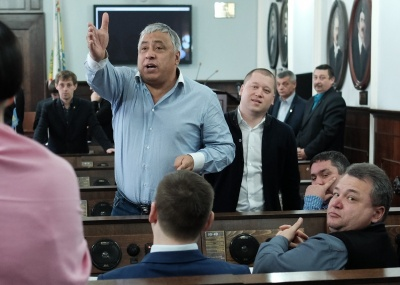 У Чернівцях помічник радника Порошенка голосував за відставку президента