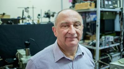 Вчений з Чернівців отримав нагороди Міжнародного оптичного товариства