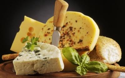 Українці в півтора рази збільшили споживання імпортних сирів