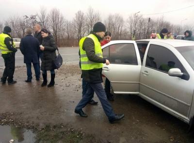 З'явилися фото із трагічної ДТП на трасі біля Чернівців