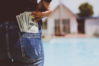 Визначено вік, в якому людина витрачає найбільшу кількість грошей