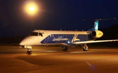 Через ускладнення погодних умов скасували авіарейс «Київ-Чернівці»
