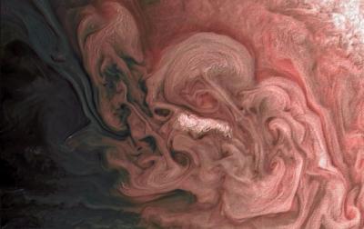 NASA показало фото бурі на Юпітері