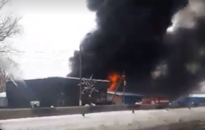 Появилось видео с масштабного пожара на Калиновском рынке в Черновцах