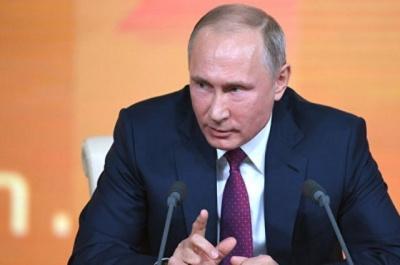 Путін запевняє, що Росія не буде втягуватися в гонку озброєнь