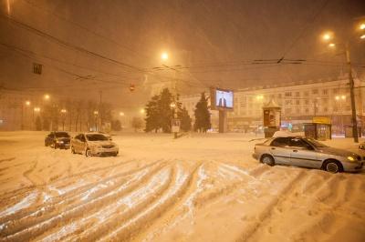 У Дніпрі через снігопади – додаткові вихідні та канікули