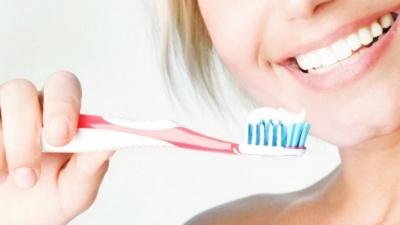 Науковці розвінчали популярний міф про зубну пасту