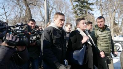Слідчі СБУ затримали Савченко